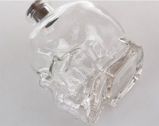 جام شیشه ای طرح اسکلت