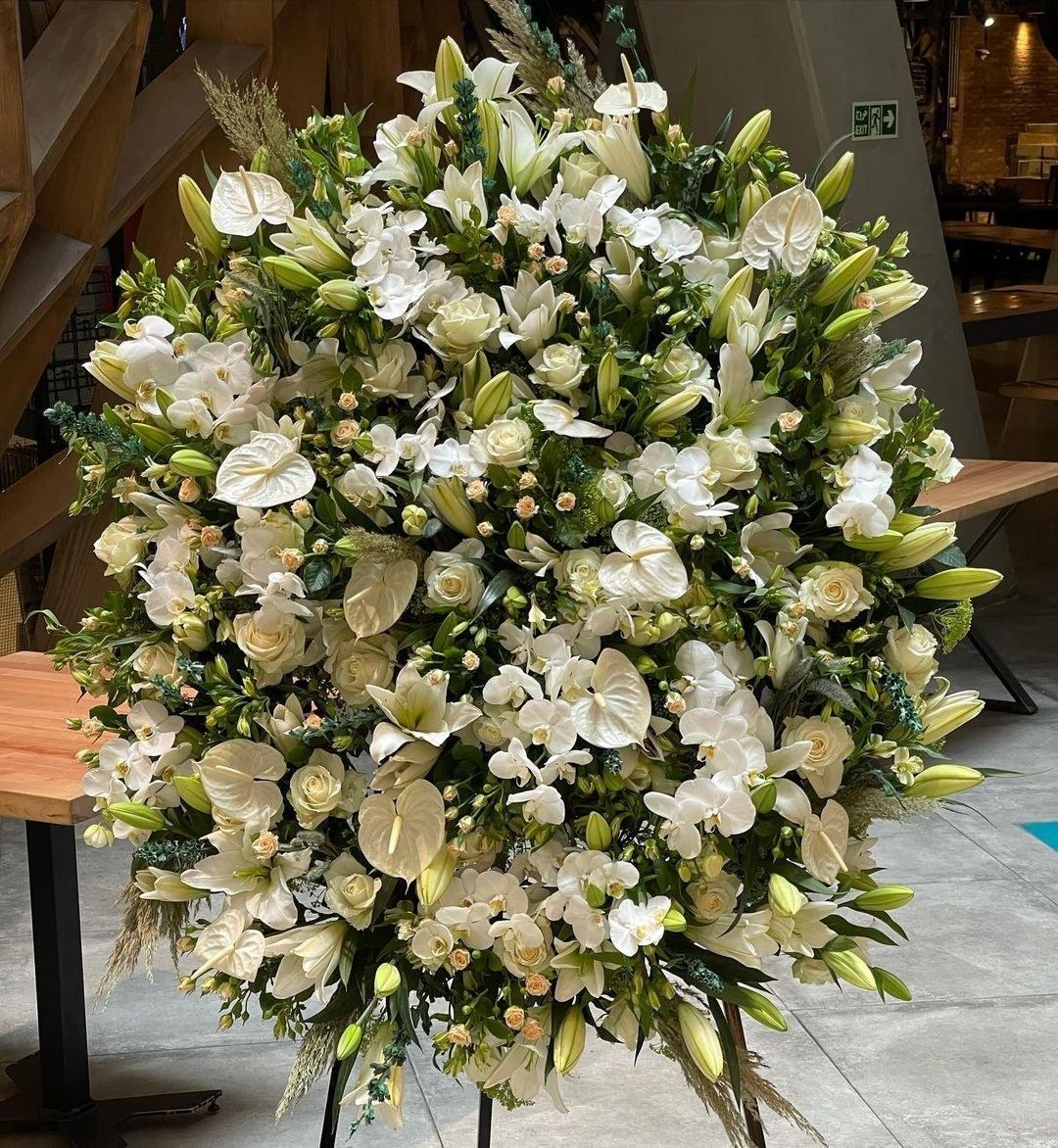 تصویر تاج گل ترحیم سلطنتی