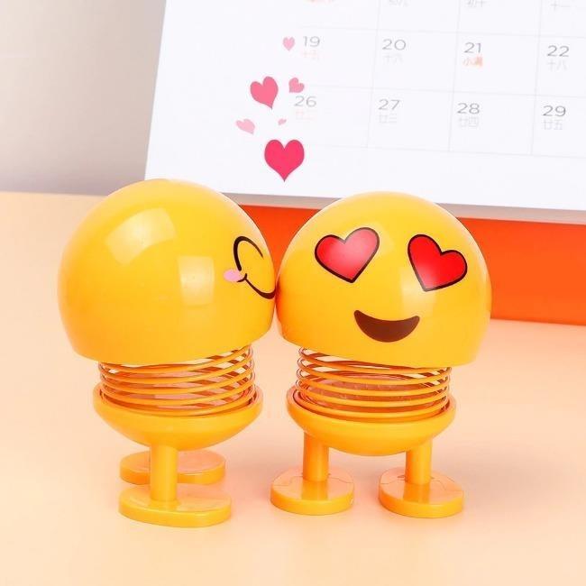 عروسک فنری ایموجی | Emoji Shaker Car