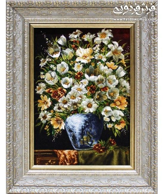 تصویر تابلو فرش دستباف سبد گل بابونه روی میز تبریز