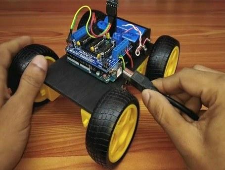 تصویر پروژه ربات کنترل از راه دور بلوتوث با موبایل
