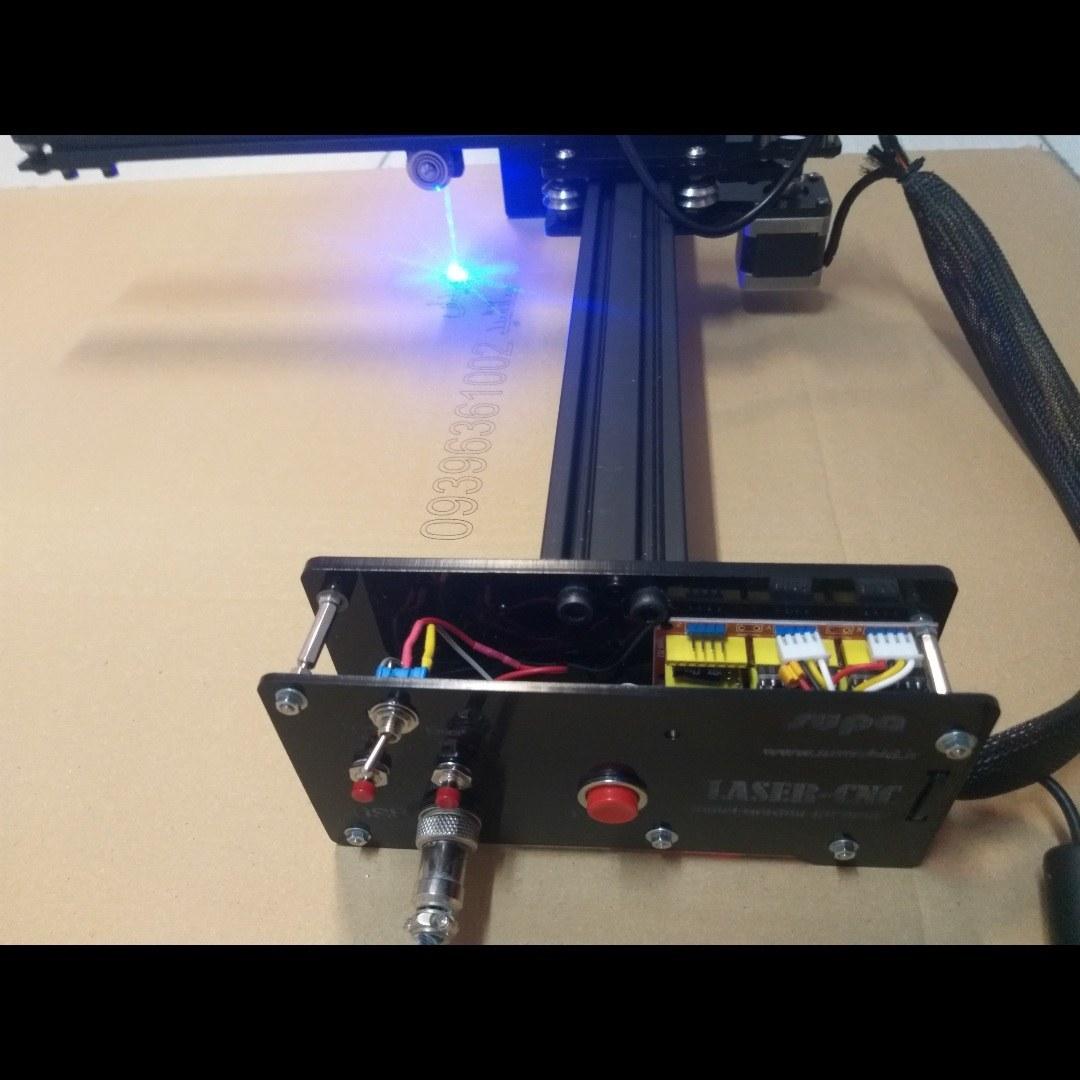 تصویر دستگاه حکاکی لیزری و برش لیزری  GM-20305 دارای صفحه کار 300mmx200mm
