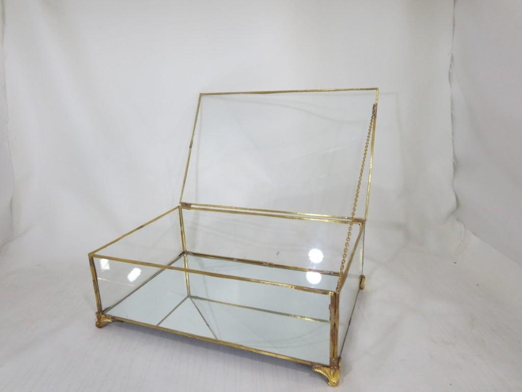 باکس شیشه ای
