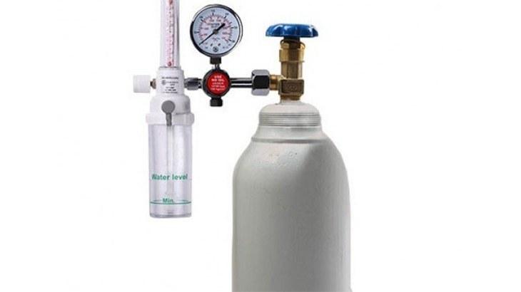 تصویر کپسول اکسیژن 5 لیتری با مانومتر طبی