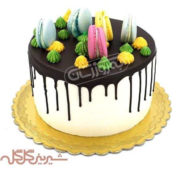 تصویر کیک با تزئین ماکارون گل گله