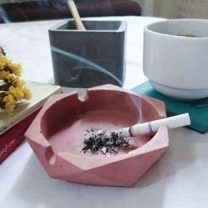 تصویر زیر سیگاری بتنی مدل بیتا