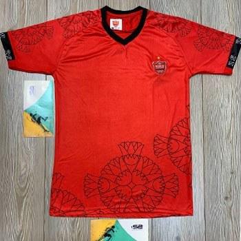 تصویر تی شرت ورزشی مردانه فصل جدید پرسپولیس