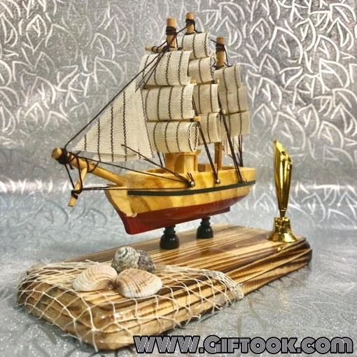 کشتی دکوری چوبی همراه با جاقلمی