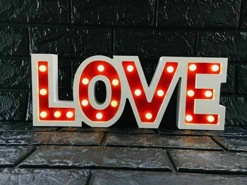 تصویر تابلو ال ای دی مدل LOVE