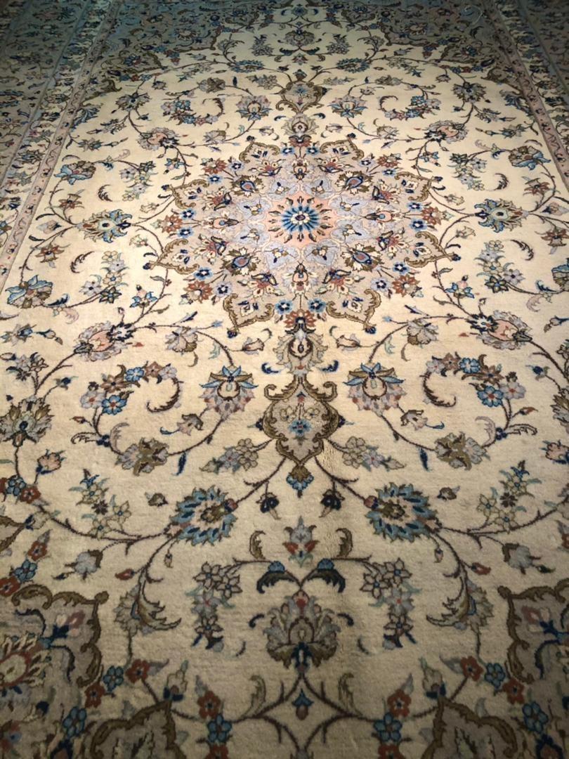 تصویر فرش دستباف 9 متری کرم اردکان