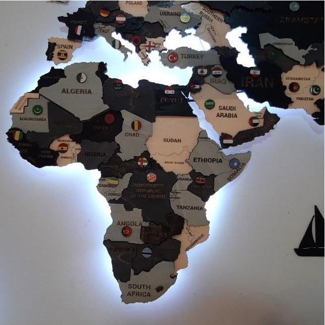 تصویر دیوارکوب نقشه جهان پازلی با نور مخفی طوسی و مشکی