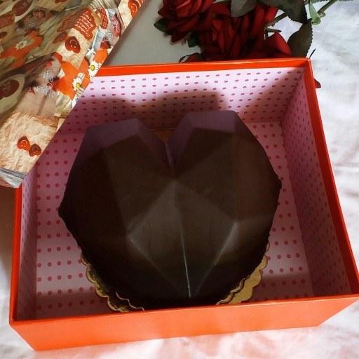 قلب شکلاتی سورپرایز |