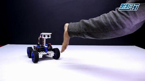 تصویر پروژه ربات دنبال کننده انسان