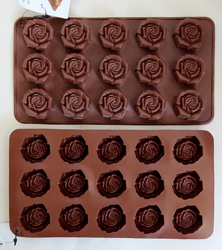 تصویر قالب شکلات سیلیکونی طرح گل رز