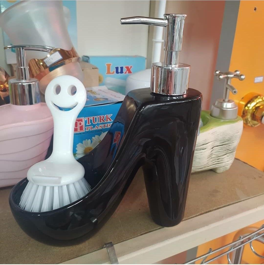 تصویر جامایع مدل کفش پاشنه بلند به همراه فرچه Ja maye
