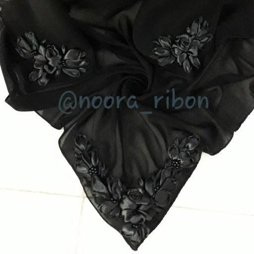 روسری روباندوزی نورا  