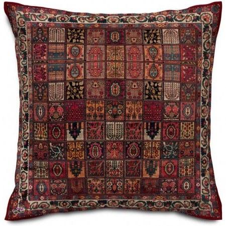 تصویر کوسن سنتی فرش خشتی زرشکی