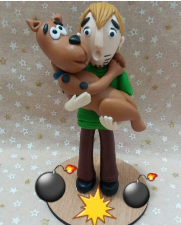 تصویر مجسمه و تاپر کیک
