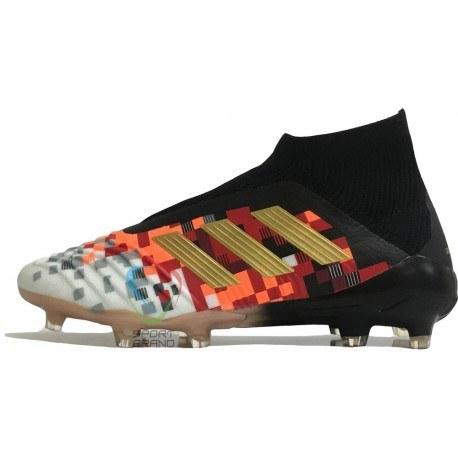 کفش فوتبال آدیداس مدل predator