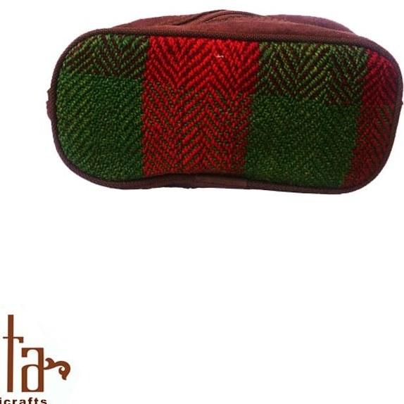 تصویر کیف آرایش جاجیمی سبز