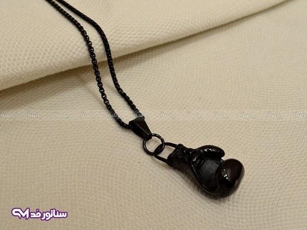 تصویر گردنبند دستکش بوکس مشکی SG2075