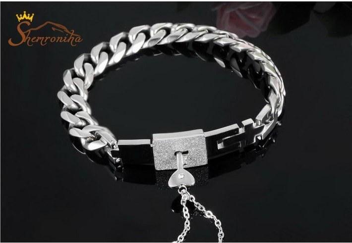 تصویر ست استیل مردانه زنانه – دستبند و گردنبند با آویز کلید سیلور کد ۷۷۴۷