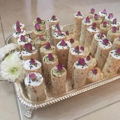 محصول در تعداد دلخواه شما تهیه خواهد شد و مناسب مجلس عقد تزئین خواهد شد. | نان و پنیر و سبزی سفره عقد