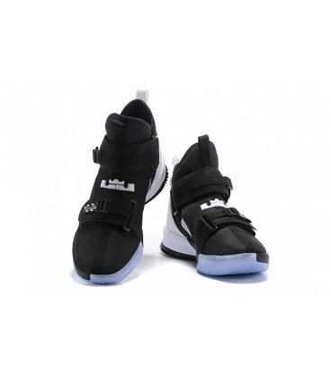 کفش بسکتبال نایک لبرون مشکی سفید Nike lebron Black and White