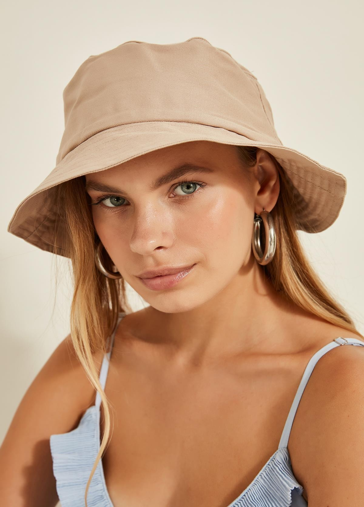 تصویر خرید نقدی کلاه زنانه فروشگاه اینترنتی برند Y-London رنگ بژ کد ty42423798
