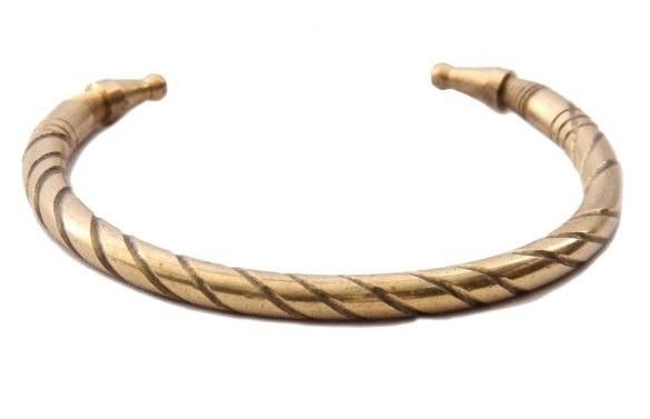 دستبند برنجی 04