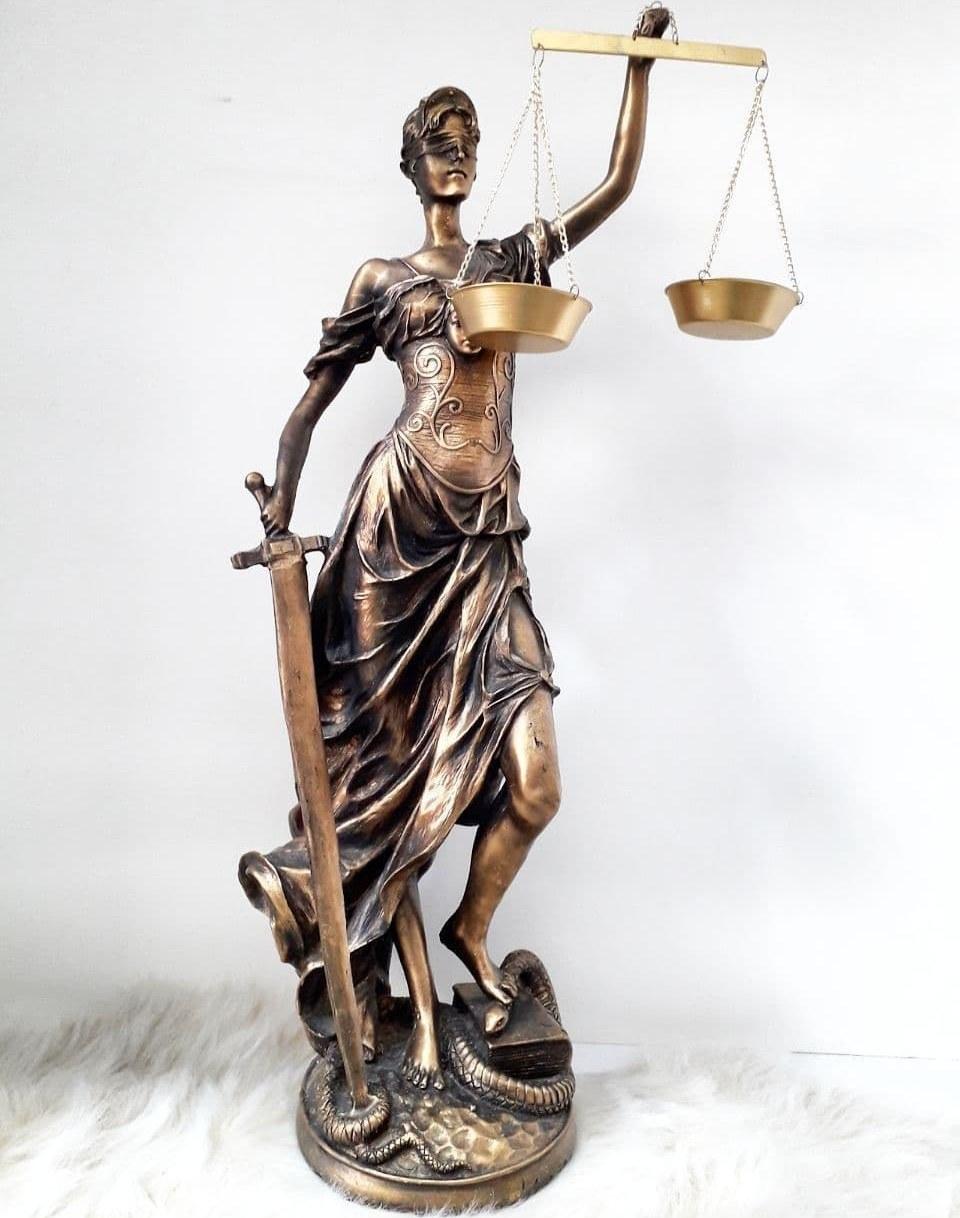 عکس مجسمه عدالت بزرگ  مجسمه-عدالت-بزرگ