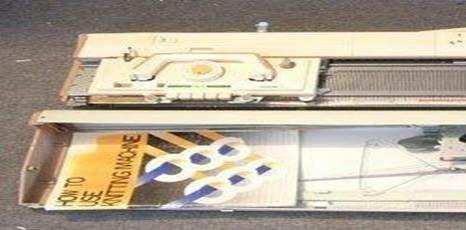 تصویر ماشین بافندگی برادر مدل 830 با کشباف تمیز
