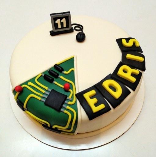 کیک تولد مهندسی الکترونیک |
