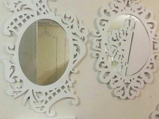 آینه و کنسول طرح پریشان |