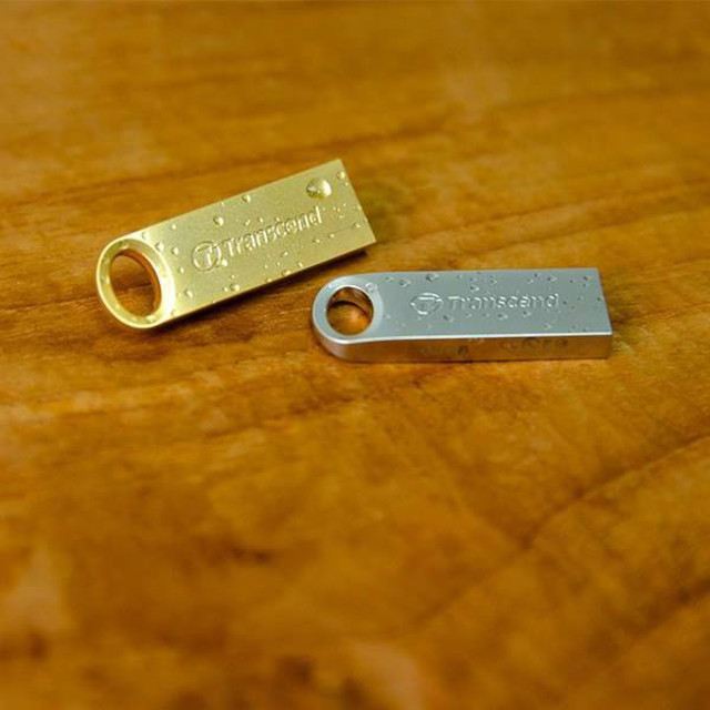 تصویر فلش مموری ترنسند مدل JetFlash 520 ظرفیت 8 گیگابایت Transcend JetFlash 520 8GB Flash USB 2.0 Memory