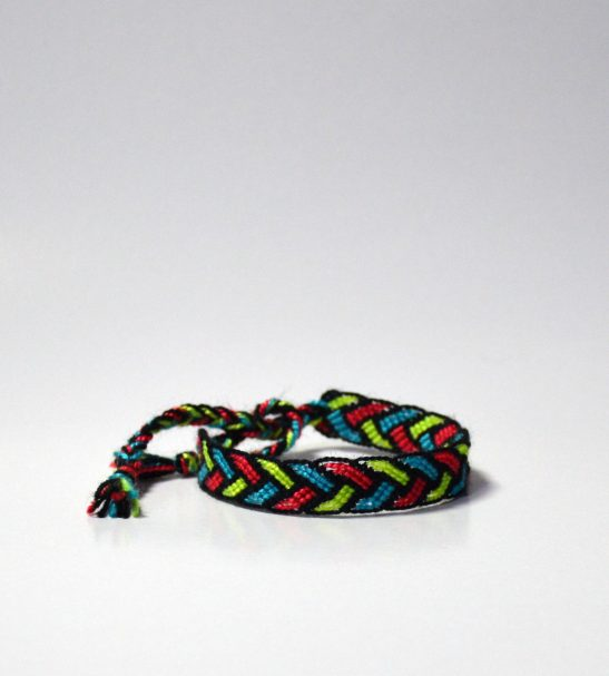 دستبند دوستی رنگی دست بافت