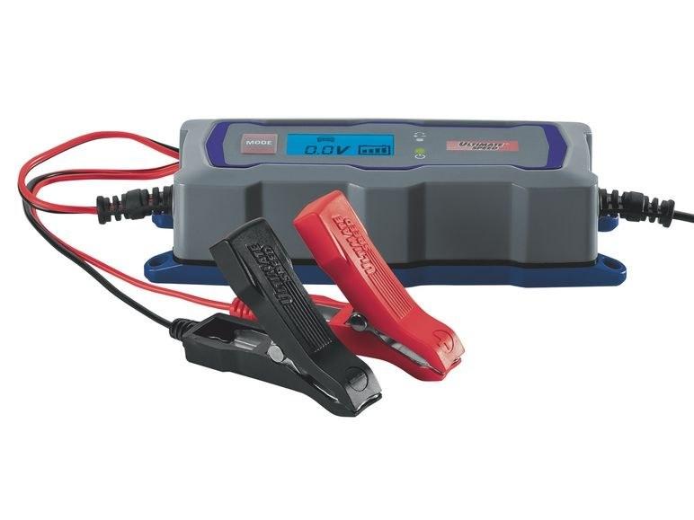 شارژر باتری خودرو برای استارت زدن |