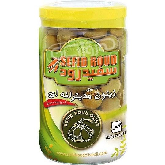 تصویر زیتون به سبک مدیترانه ای با سبزیجات معطر سفید رود 750 گرمی