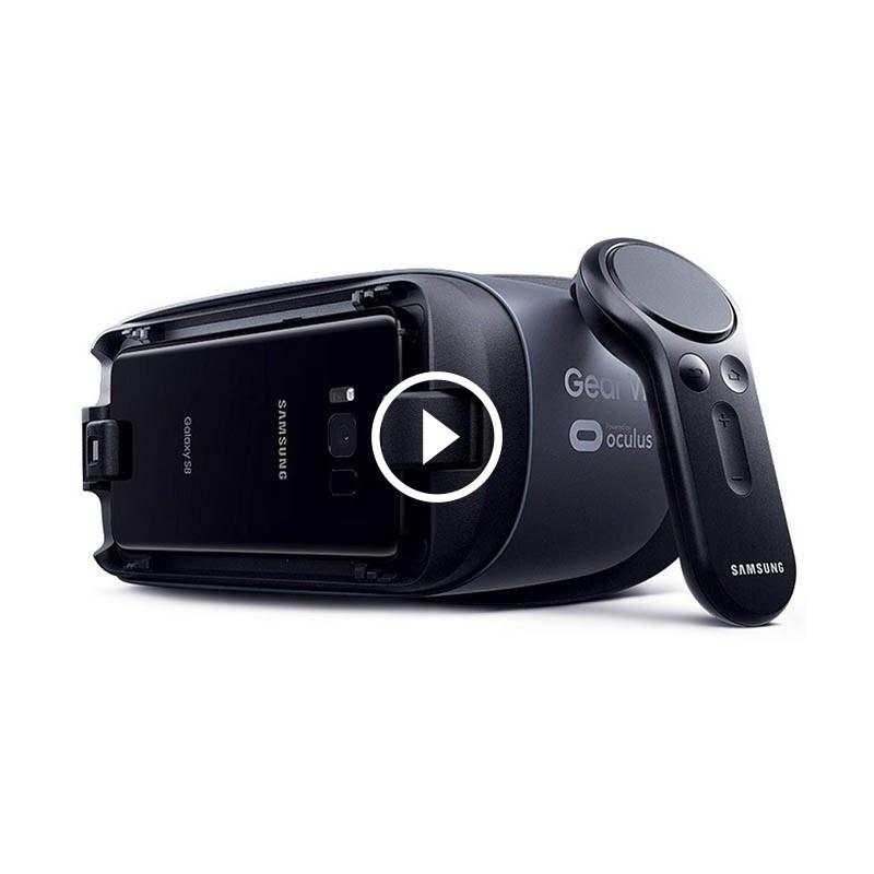 تصویر هدست واقعیت مجازی همراه با دسته Gear VR سامسونگ Samsung Gear VR 2017 virtual reality headset