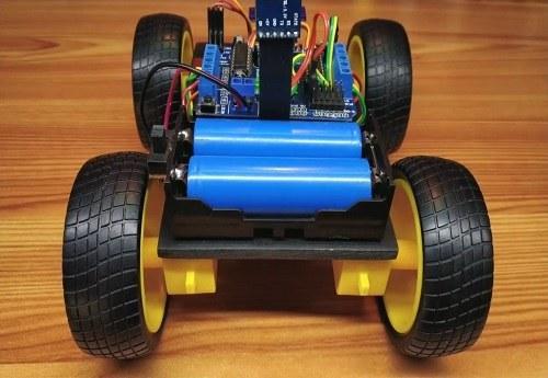 تصویر پروژه ربات کنترل از راه دور با استفاده از فرمان های صوتی موبایل