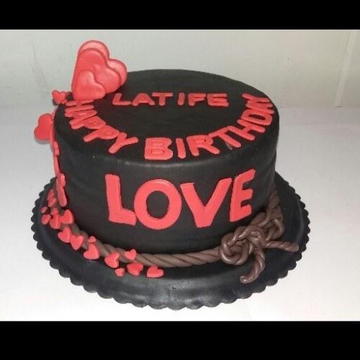 کیک تولد فوندانتی مشکی |