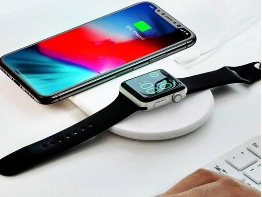 شارژر بی سیم دو کاره بیسوس مدل  Smart 2 in1 Wireless Charger مناسب برای  گوشی موبایل اپل و ساعت اپل واچ |