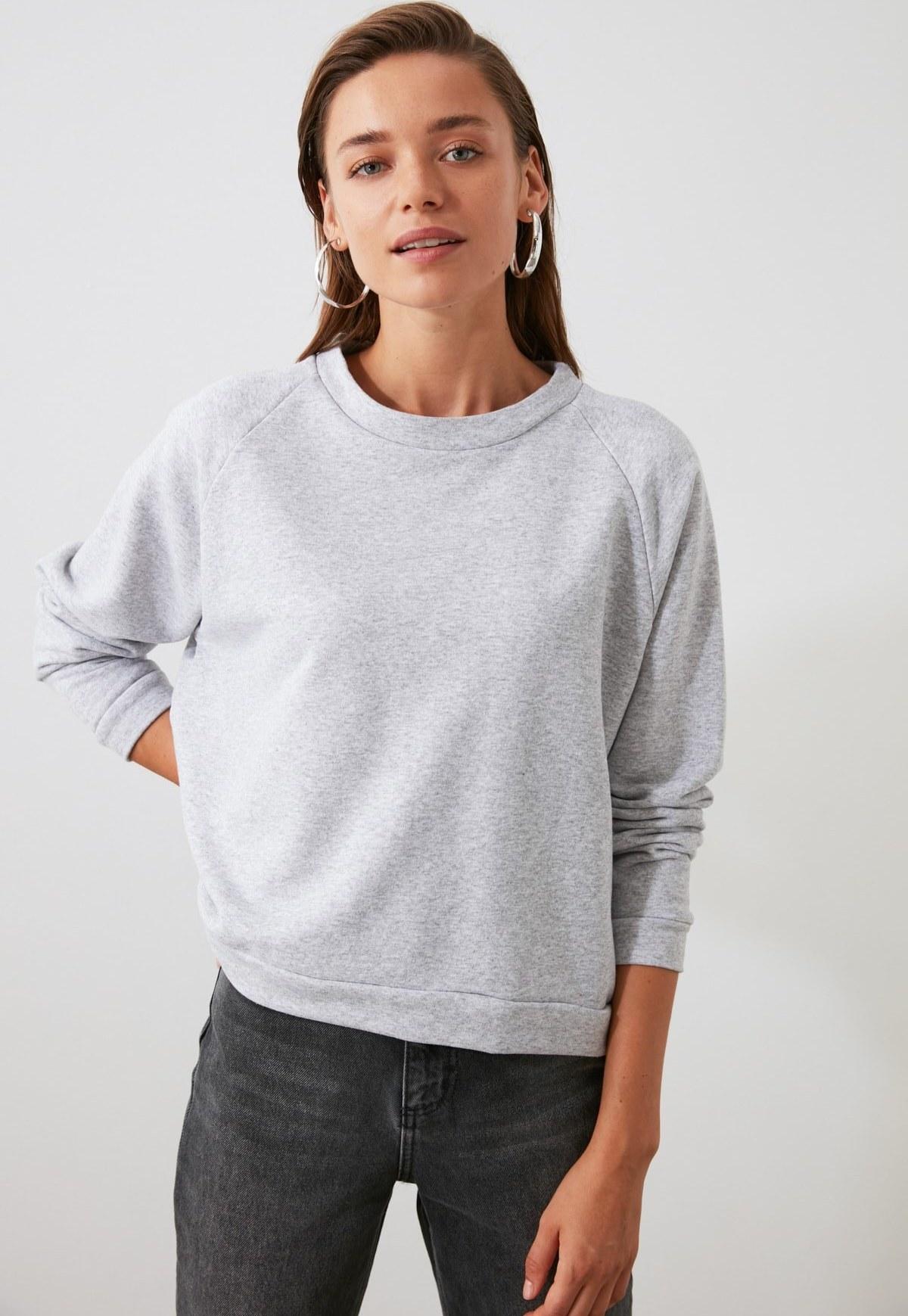 تصویر خرید اینترنتی سویشرت خاص زنانه برند ترندیول میلا رنگ نقره ای کد ty46232183