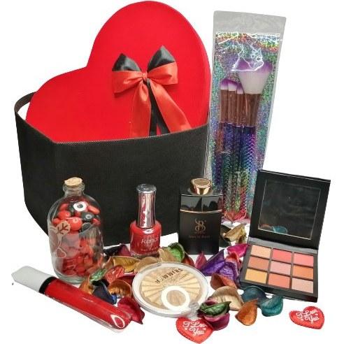 تصویر پک هدیه آرایشی روز زن + جعبه هدیه کد 013