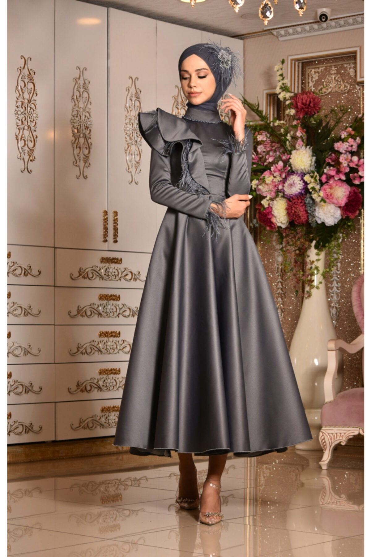 تصویر زنانه طوسی لباس مجلسی پوشیده برند MAHİDEVRAN کد 1617777062