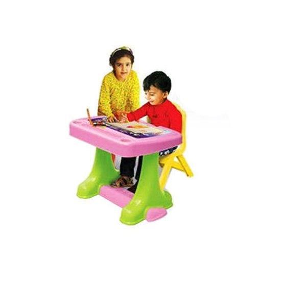 تصویر میز تحریر و صندلی سبز رنگ کودک مانی