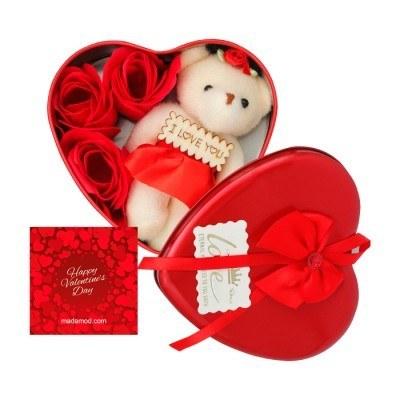 پک هدیه خرس و گل قلبی ولنتاین
