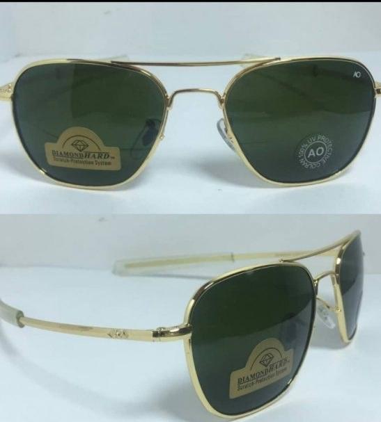 عینک آفتابی آمریکن اوپتیکال فرم طلایی با پک کامل