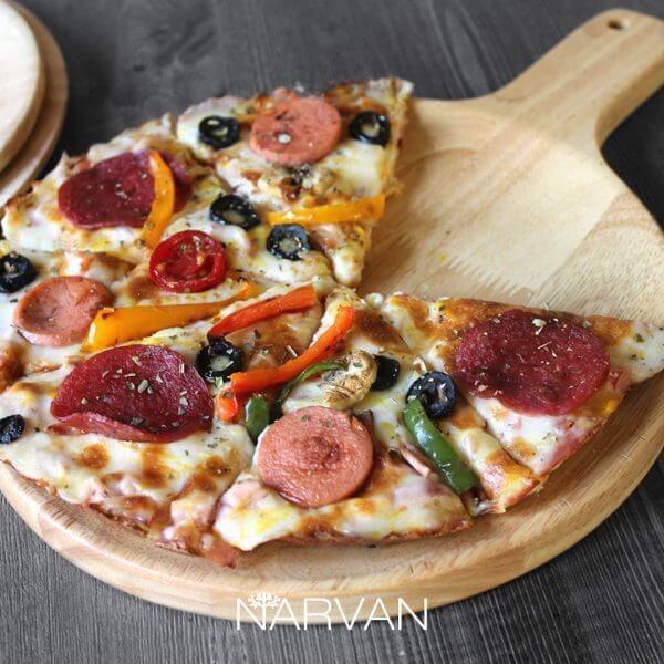تصویر تخته سرو پیتزا تخت چوبی گرد دسته دار نارون کوچک R2912