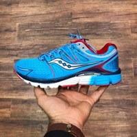 کفش کتانی بندی ساکونی مخصوص پیاده روی طولانی و دویدن
